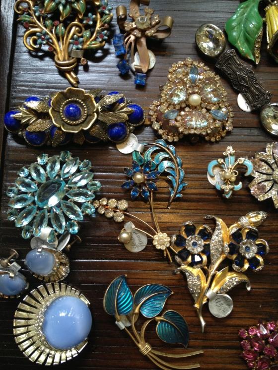 Daily Brilliant Vintage Treasure Hunt